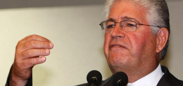 Requião faz parte da antiga base de governo de Dilma Rousseff