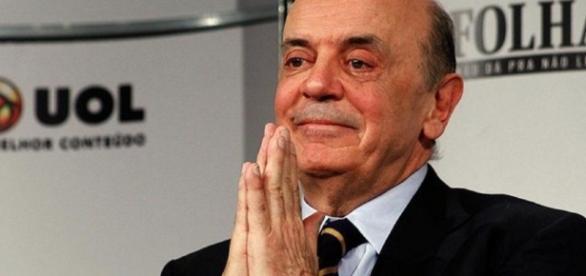José Serra passa por atendimento