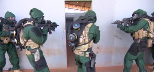 Militares treinam - Foto/Reprodução: TV Globo
