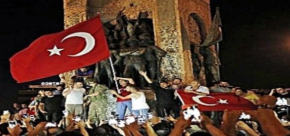 Turquia: quem foi o mentor do golpe?