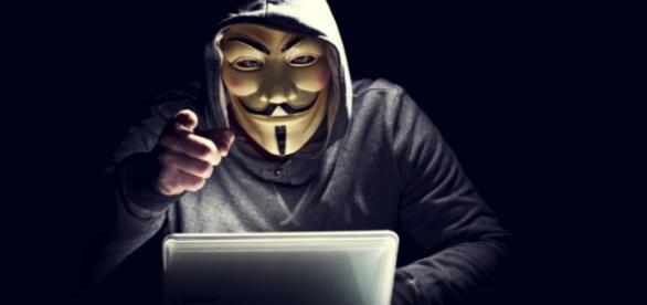 Anonymous tira site da Justiça do ar