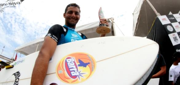 Rafael Texeira conquista el Surf Open Acapulco 2016
