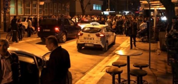 Atac armat într-o cafenea din Serbia soldat cu 5 morți și 20 de răniți