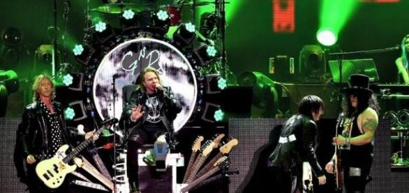 Presença do trio de integrantes originais é o grande destaque da nova turnê do Guns N' Roses