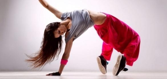 Dança está entre as oficinas oferecidas gratuitamente