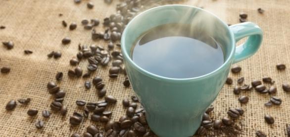 """El café muy caliente """"causa probable"""" de cáncer"""