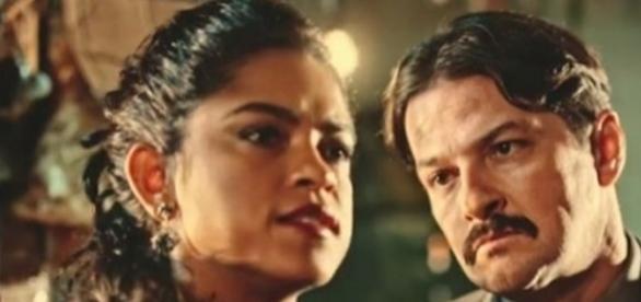 Luzia e Carlos vão transar (Divulgação/Globo)