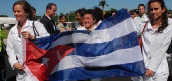 Michel Temer decide contratar mais médicos cubanos