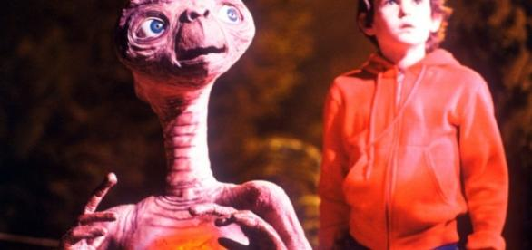 "Dia do Amigo: E.T. e Elliot - ""E.T."" (1982)"