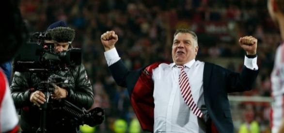 Manchester United legend Sir Alex Ferguson backs Sunderland's Sam ... - thesun.co.uk