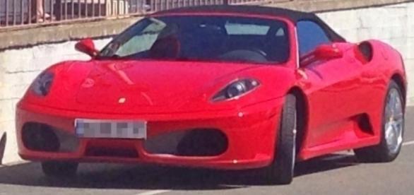 Român arestat în Spania la volanul unui Ferrari