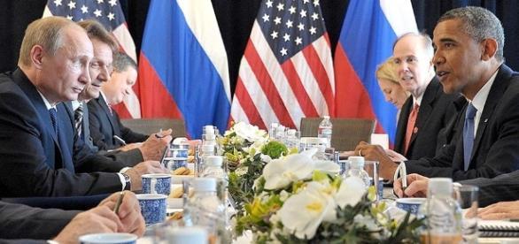 Tak Obama jak Trump wykonują plan trustów mózgów na rzecz Rosji.