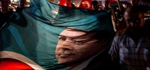 Turchia, fallito il colpo di Stato: Paese nel caos - lettera43.it