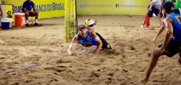 Dupla Alison/Bruno é uma das esperanças de ouro do Brasil (Paulo Frank/ CBV)