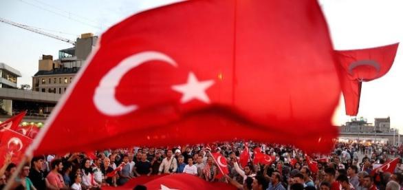 La purga de supuestos golpistas en Turquía