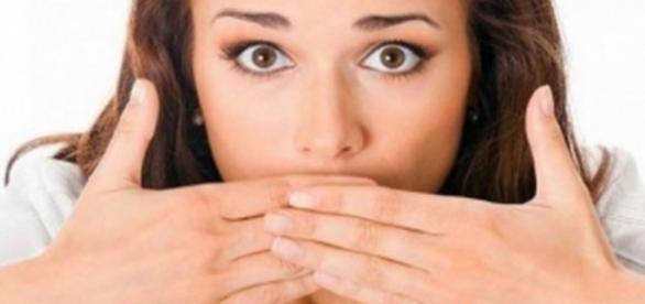 Muitos barulhos normais que o nosso corpo produz nos traz constrangimentos.