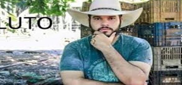O cantor faleceu vítima de acidente de carro