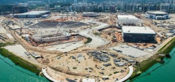 Foram encontrados problemas de vazamentos e elétricos na Vila Olímpica, conforme autoridades australianas.