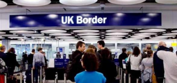 Accesul românilor pe piața muncii din Marea Britanie ar putea fi blocat după BREXIT