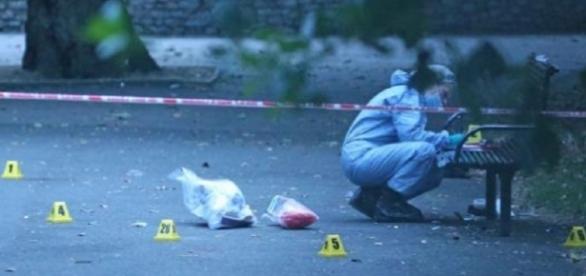 As autoridades estão investigando o homicídio