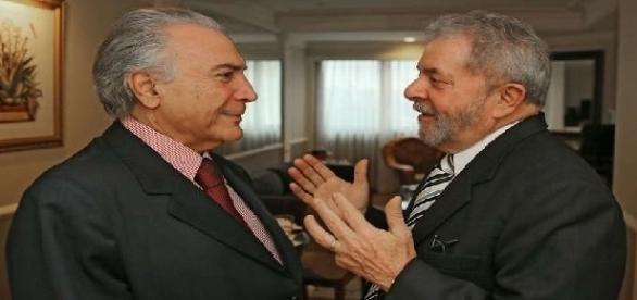 Lula, em discurso, admite espaço para diálogos com Michel Temer