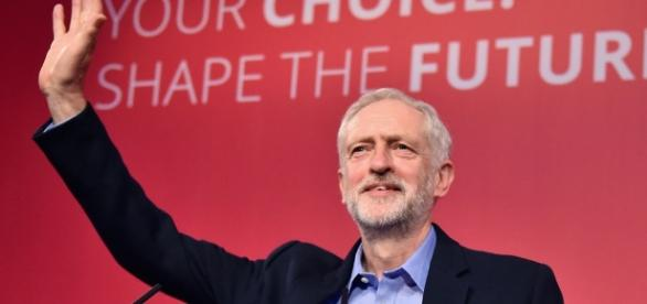 Jeremy Corbyn wins with a landslide – but what next? | Gary Gibbon ... - channel4.com