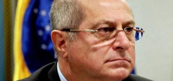 Paulo Bernardo foi denunciado criminalmente pela PF