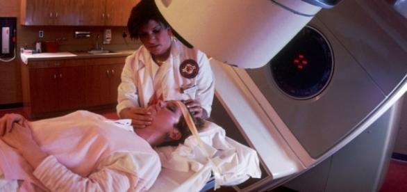 Radioterapia pode se tornar mais eficaz com o uso de atovaquona durante o tratamento