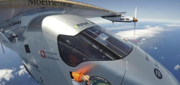 Solar Impulse: aereo alimentato a energia solare - improntaunika.it