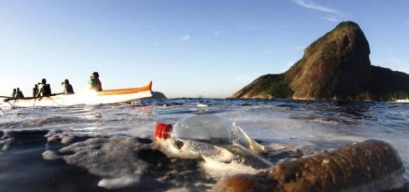 Águas contaminadas são risco para atletas que vão competir no Rio