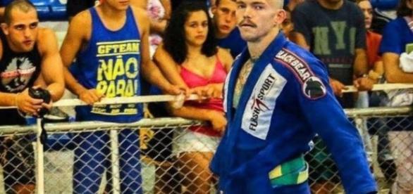 Jason 'Jay' Lee foi sequestrado por PMs quando voltava de competição em Resende