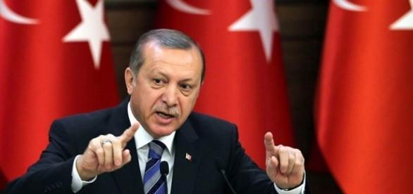 La dittatura mascherata di Erdogan