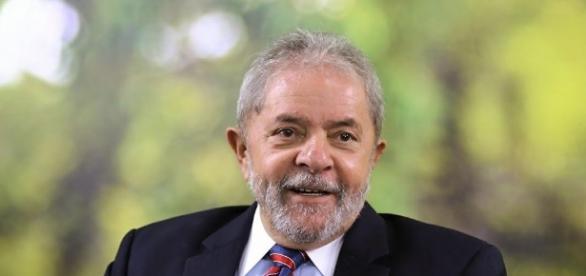 """Lula disse hoje que sente-se """"provocado"""" a nova candidatura em 2018"""