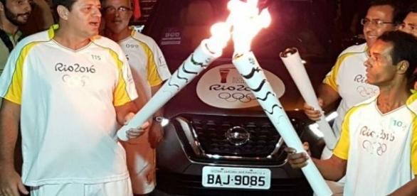 Passagem da tocha olímpica gera confusão em Angra dos Reis