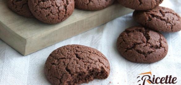 Biscotti al cioccolato fondente senza burro | Ricette della Nonna - ricettedellanonna.net