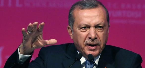 Erdogan łamie warunki umowy w sprawie uchodźców