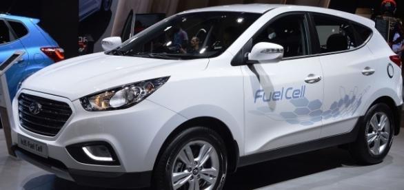 2018 hyundai fuel cell. brilliant hyundai hyundai ix35 hydrogen fuel cell car spielvogel httpsenwikipedia throughout 2018 hyundai