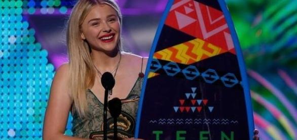 O prêmio revela os preferidos do público teen no cinema, na TV e na música, entre outras categorias.