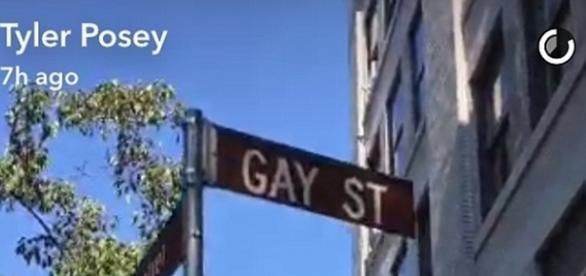 'Eu nunca me senti mais vivo! Eu sou gay!', disse Tyler no vídeo (Foto: Snapchat/Reprodução)