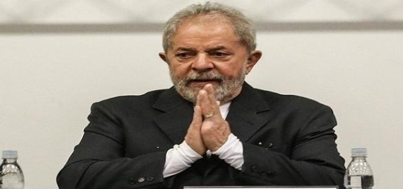 Lula participando nesta sexta-feira (29) da Conferência Nacional dos Bancários no hotel Holiday Inn Anhembi, em São Paulo.