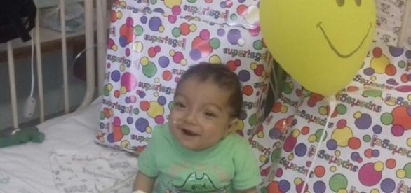O pequeno Rayllan nasceu com malformação rara e nunca saiu do hospital