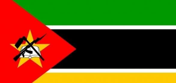 Mozambique flag / vector by no attrition via cc pixabay
