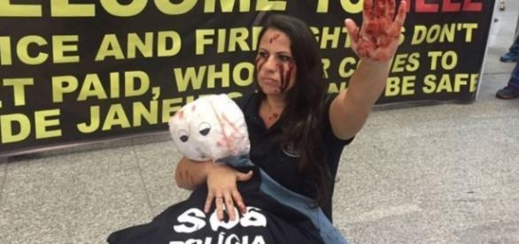 Protesto é realizado em aeroporto do Rio de Janeiro