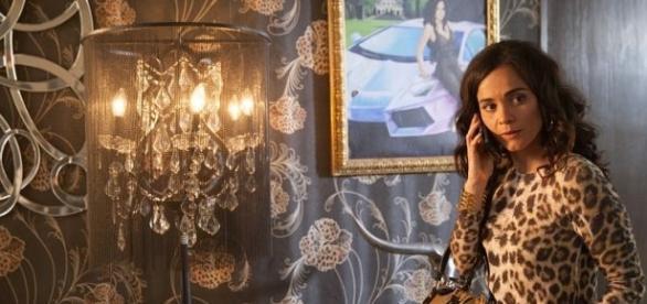 A brasileira Alice Braga foi bastante elogiada pela crítica americana na nova série. (Foto: Divulgação Space)