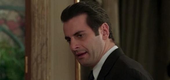 Araújo descobre toda a farsa de Sandra, mas acaba sendo humilhado pelo loira
