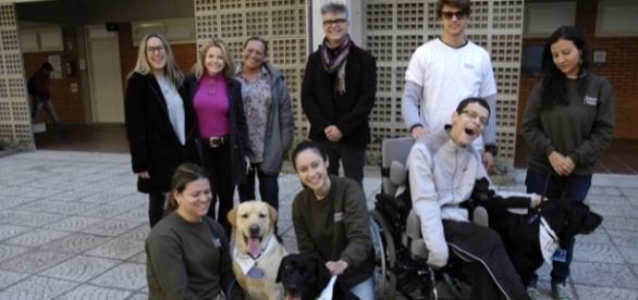 Cães ajudam no tratamento de pacientes na Univali