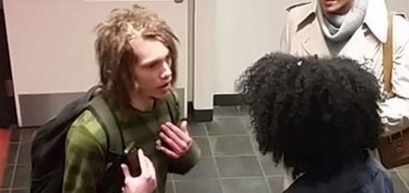 Cory Goldstein foi discriminado por conta de seu corte de cabelo