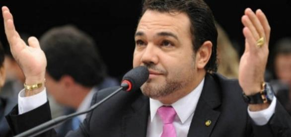 Felipe Neto conversa com Deputado Marco Feliciano; veja o vídeo