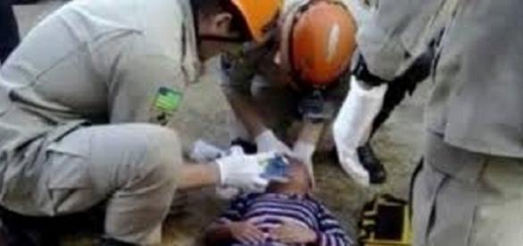 A criança foi resgatada pelo Corpo de Bombeiros