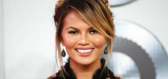 Chrissy Teigen Pregnancy News: Model Proudly Shows Off Her ... - idesigntimes.com